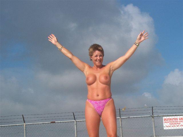 Curvy girls nude gallery
